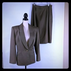 Kasper for ASL size 14 two piece suit Olive